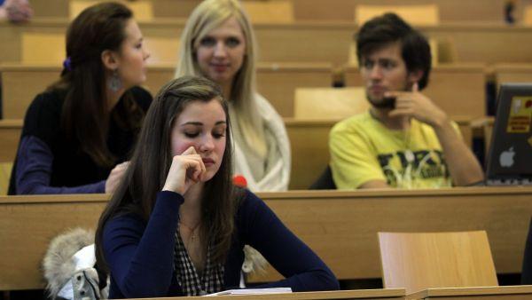 Naprostá většina českých studentů má zájem o zahraniční pracovní zkušenost - Ilustrační foto.