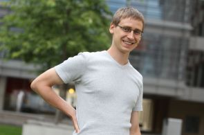 První Čech ve Facebooku: Zuckerbergova síť chce pohltit celý web