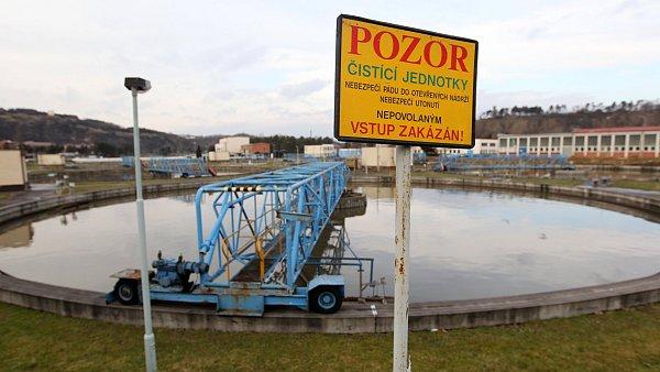 Zamyšlení nad kontaminovanou vodou způsobující zdravotní potíže v Praze