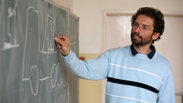 Učitelé kariérnímu řádu nevěří. Petici proti novince v odměňování učitelů podepsalo přes 21 tisíc pedagogů.