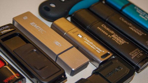 Flash disky s podporou �ifrov�n�