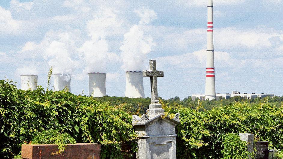 Elektrárna Chvaletice patřící skupině ČEZ
