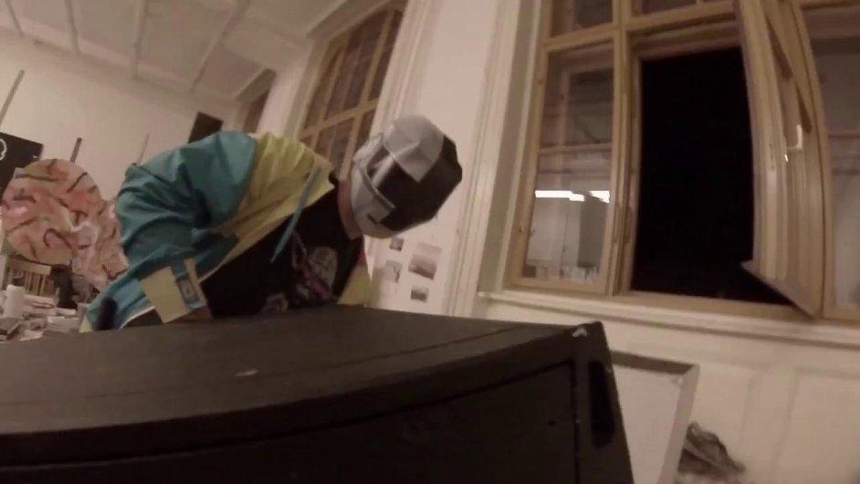 Fanoušci Daft Punk pirátsky promítali na Pražský hrad.
