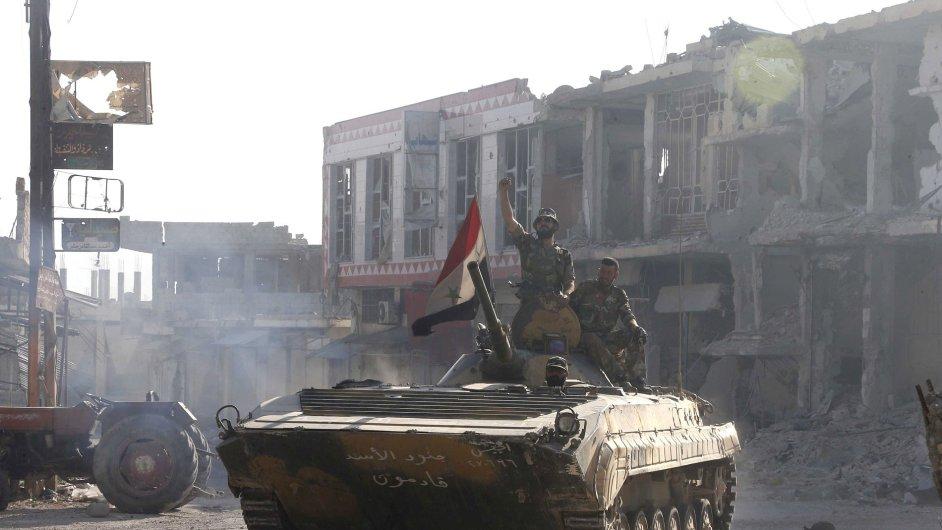 Syrští vojáci věrní Bašárovi Asadovi
