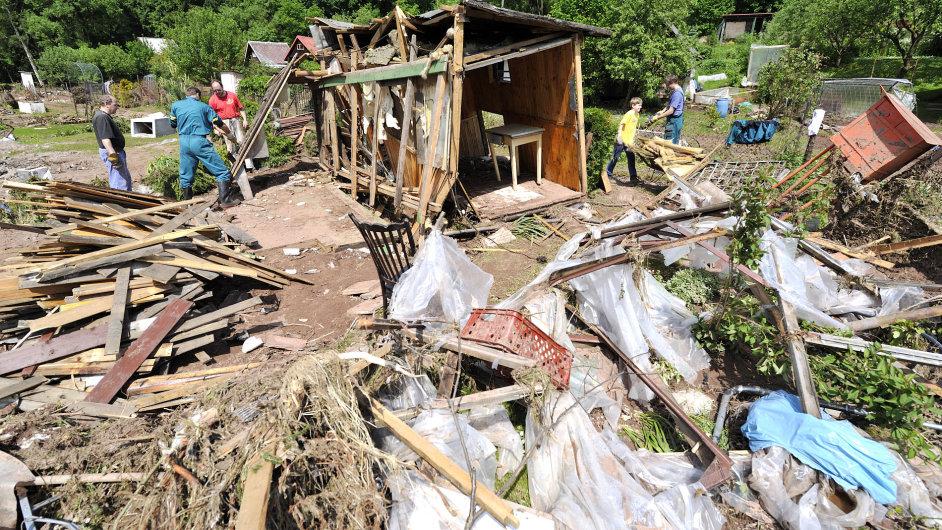 Zahrádkářská osada v Hostinném po povodni