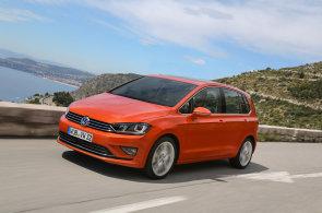 Prodej nových aut v Evropě rostl devátý měsíc v řadě. Škoda dohání BMW a Mercedes