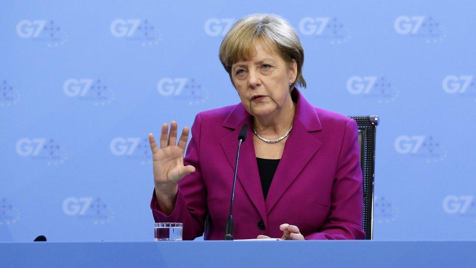 Angela Merkelová pohrozila Rusku třetí fází sankcí