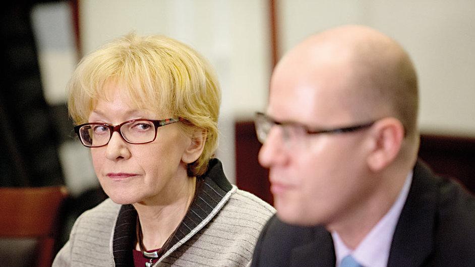 Ministryně spravedlnosti Helena Válková a premiér Bohuslav Sobotka