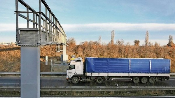 �OHS zru�il kontroverzn� zak�zku ministerstva dopravy - Ilustra�n� foto.