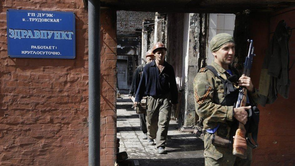 Voják separatistů v Doněcku