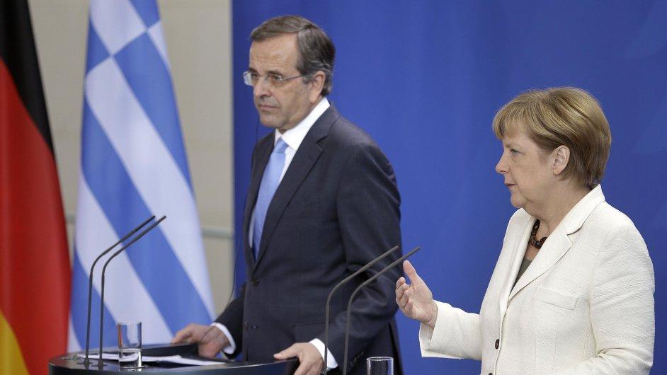 Řecký premiér Andonis Samaras na setkání s německou kancléřkou Angelou Merkelovou