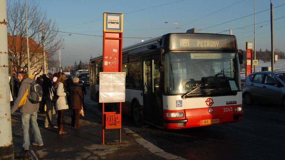 Autobus 191 bude nově jezdit až na letiště.