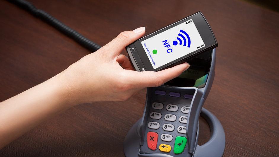 NFC – bezkontaktní platby.
