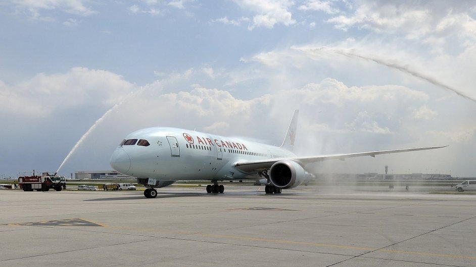 Letadlo společnosti Air Canada, ilustrační foto