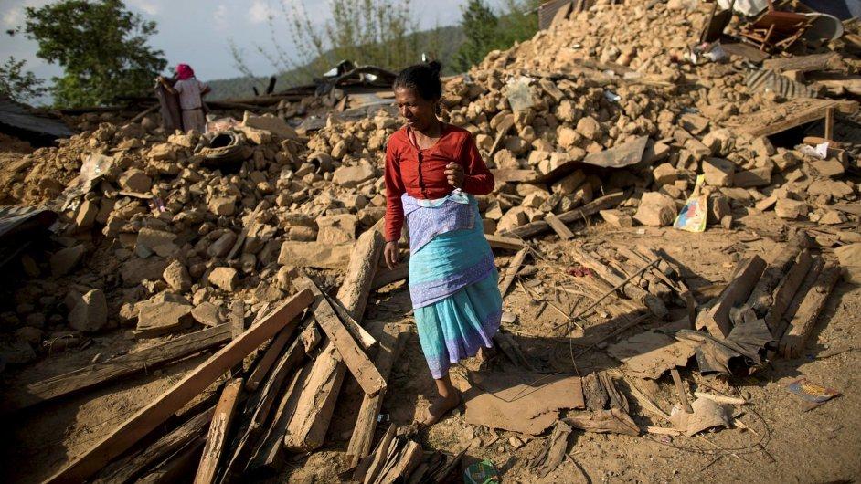 Obětí zemětřesení v Nepálu je už více než 7000.