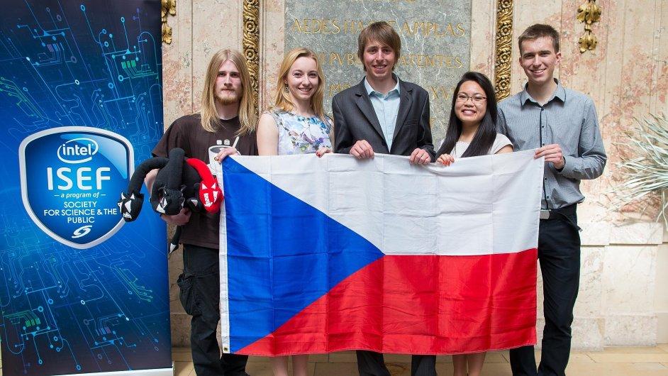 Čeští studenti, kteří se svými nápady pronikli na soutěž Intel ISEF.