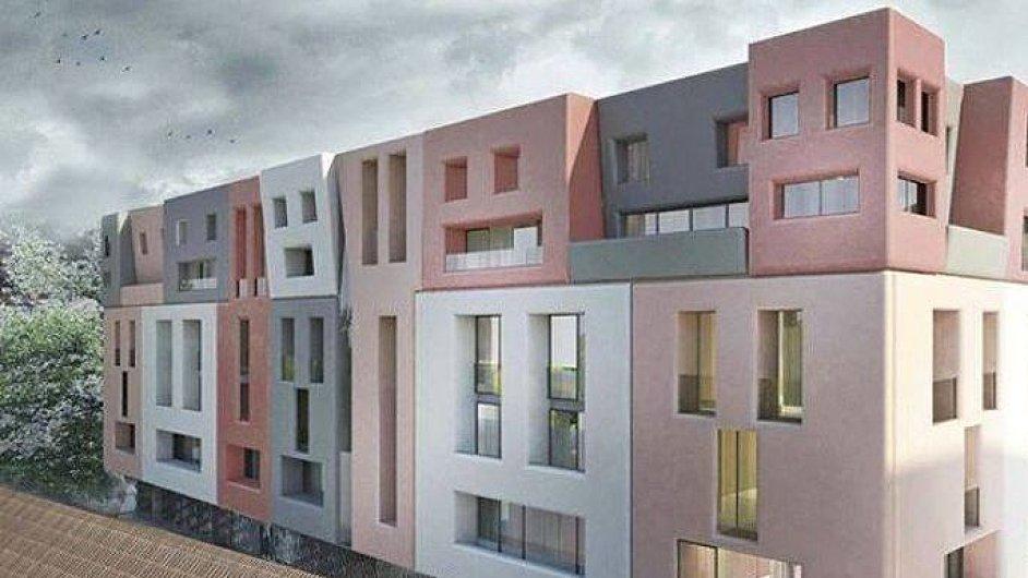 Kritici tvrdí, že se šestipodlažní vícebarevná budova s fasádou připomínající obličeje vedle kláštera nehodí.