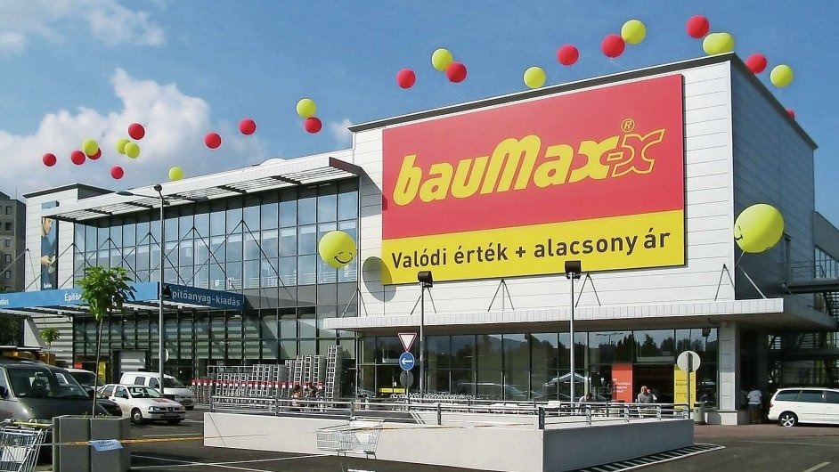 Řetězec bauMax vykázal za loňský rok ztrátu téměř půl miliardy korun.