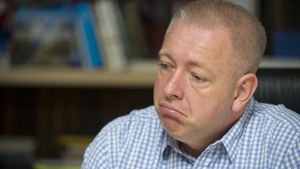 """Chovanec už uvedl, že kontrolní závěr policistů """"legitimizuje šibenice na demonstracích"""" a on se s tím nehodlá smířit."""