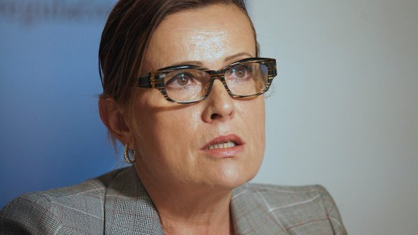 Alena Vit�skov�, ��fka Energetick�ho regula�n�ho ��adu