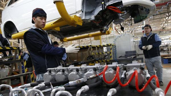 Čínská ekonomika rostla nejpomaleji od roku 1990.