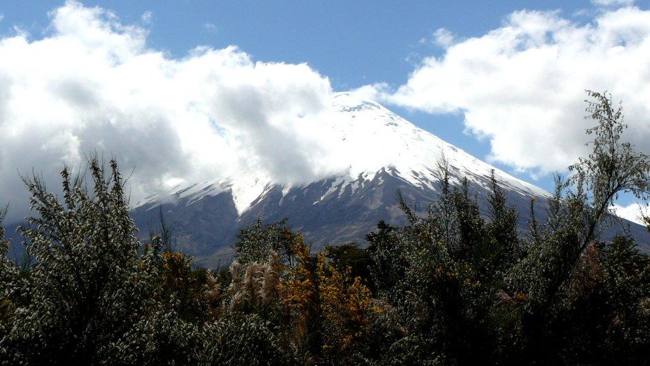 Vulkán Osorno je jednou z dominant Chile.