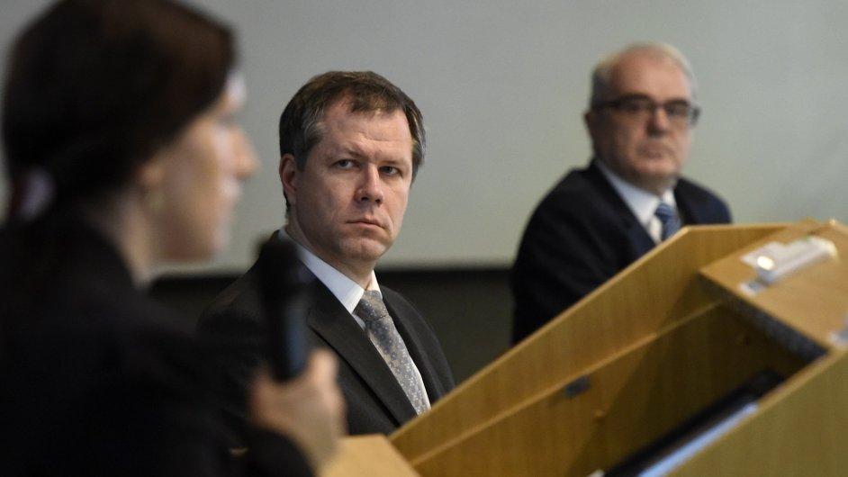 Tomáš Machula, dosavadní děkan teologické fakulty, uspěl ve čtvrté volbě a stane se novým rektorem JČU.