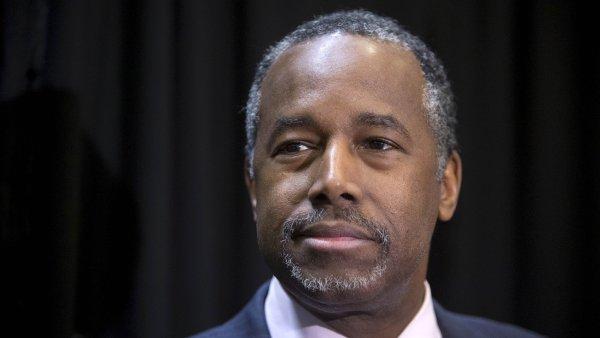 Carson u� ve st�edu nazna�il, �e v boji o B�l� d�m nebude pokra�ovat, kdy� �ekl, �e ve sv� kampani nevid� cestu vp�ed.