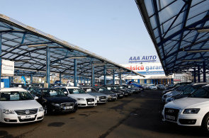 Prodej ojetých aut v Česku loni stoupl. Prodalo se 700 tisíc vozů, nejoblíbenější je Škoda Octavia