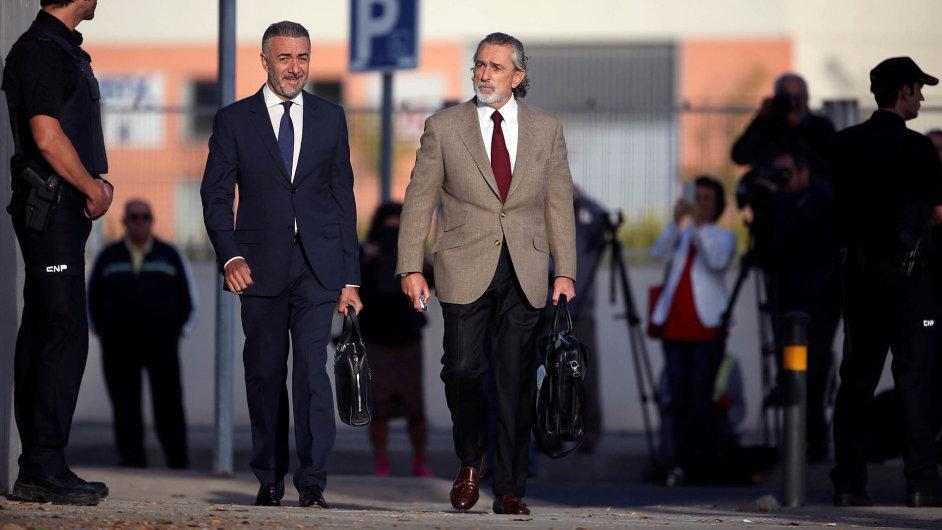 Podnikatel Francisco Correa (vpravo) vytvořil korupční systém, doněhož zapojil své firmy napořádání různých akcí aoslav ipodniky svých přátel.