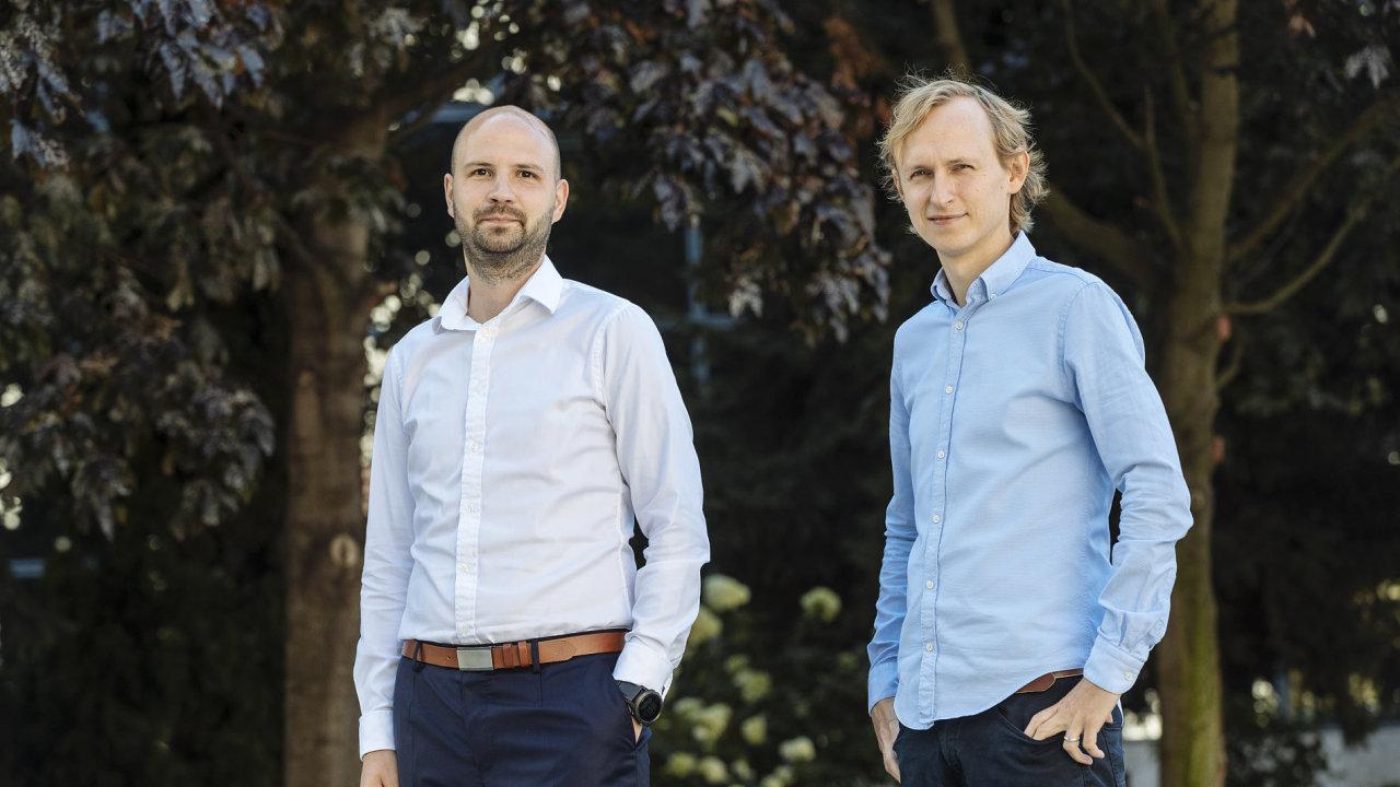 Programátoři Petr Poštulka (vlevo) a Jaromír Šatánek z firmy Rapid Addition