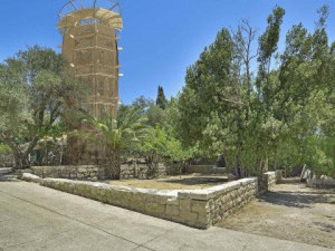 Jeruzalémská rozhledna architekta Martina Rajniše vytvoří krásný kontrast kamenného města adřevěné stavby.