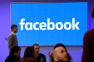 Sociální sítě rozvrací společnost, tvrdí bývalý manažer Facebooku. Lituje, že se podílel na jejich vývoji