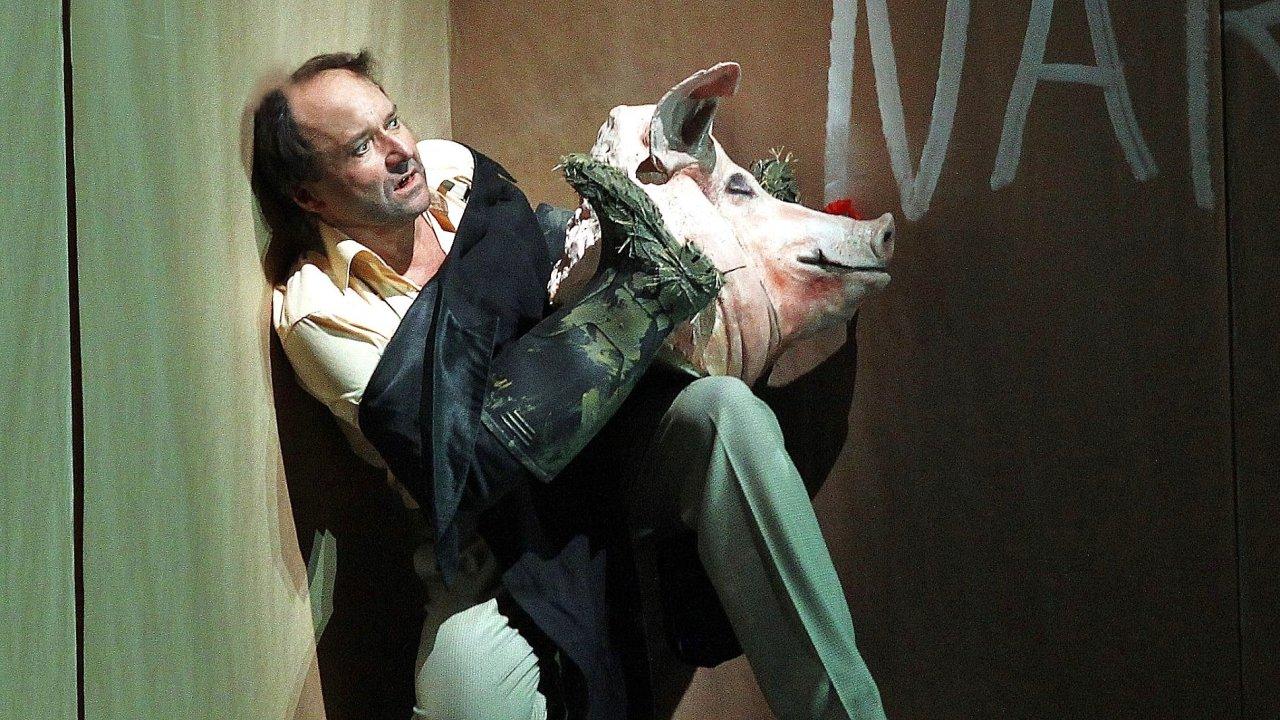 Snímek z premiéry opery Don Hrabal.