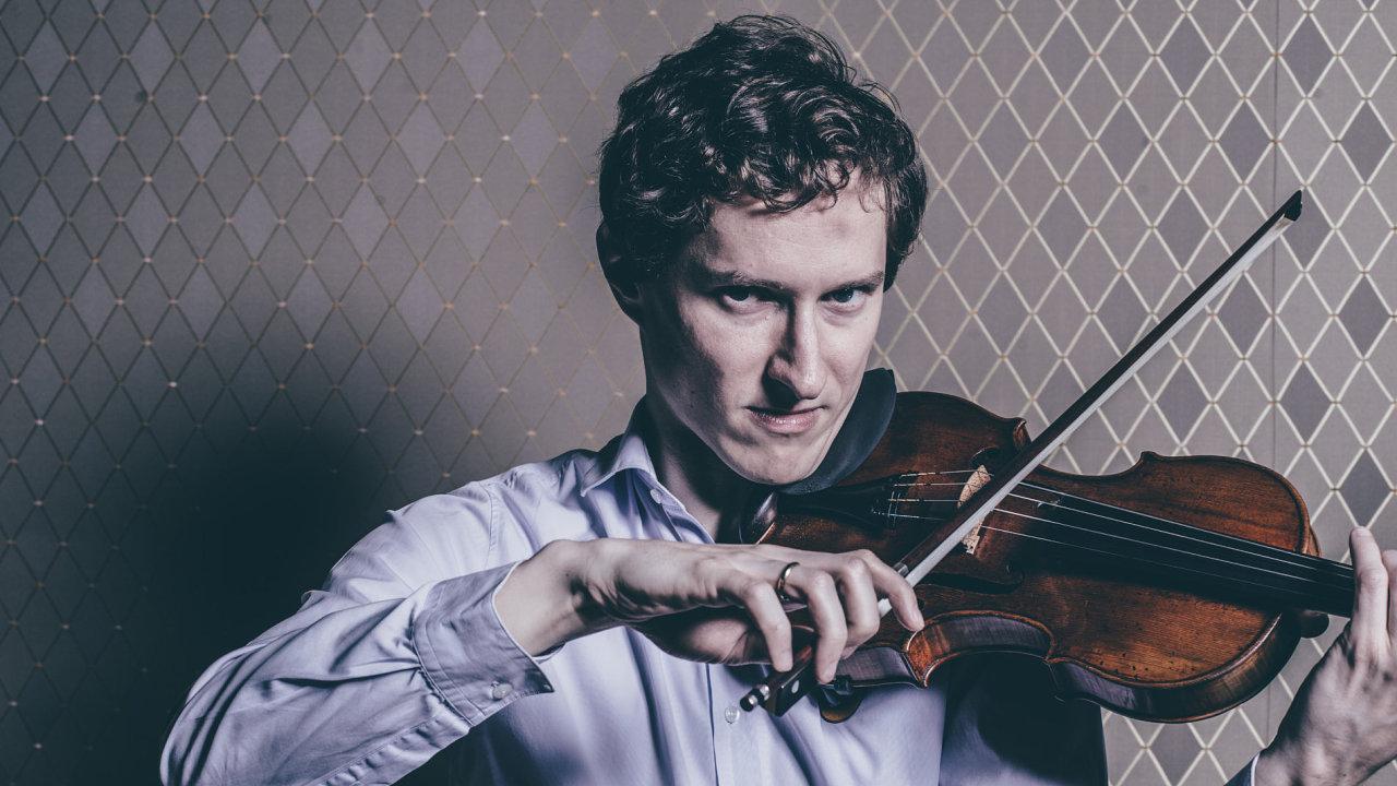 Houslista, koncertní mistr České filharmonie Josef Špaček