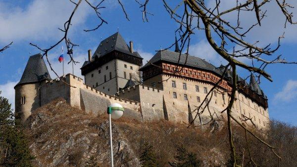 Gotický hrad Karlštejn založil Karel IV. v roce 1348.