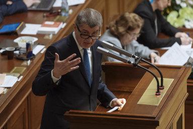 """Vondráček chce, Babiš podporuje. Poslanci by měli projednat více zákonů aneztrácet příliš času dlouhými """"prostoji""""."""