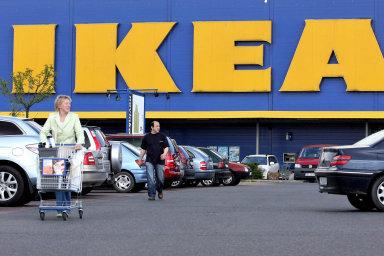 Ikea vyřadí v českých prodejnách z prodeje brčka, tácky či kelímky, i v jejích restauracích a kavárnách jednorázové plasty zmizí.