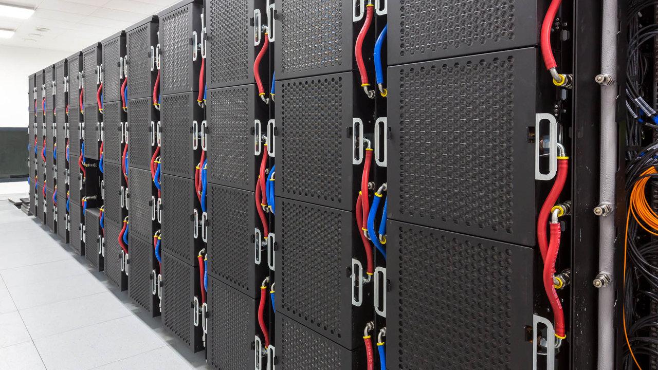 Superpočítače jsou nejsilnější výpočetní stroje v dané době.