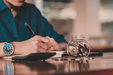 Bankovní úvěry nebo půjčky od rodiny jsou sice stále jednou z nejvyužívanějších metod, jak peníze do podnikání získat, současnými trendy jsou ale crowdfunding nebo peer-to-peer půjčky.