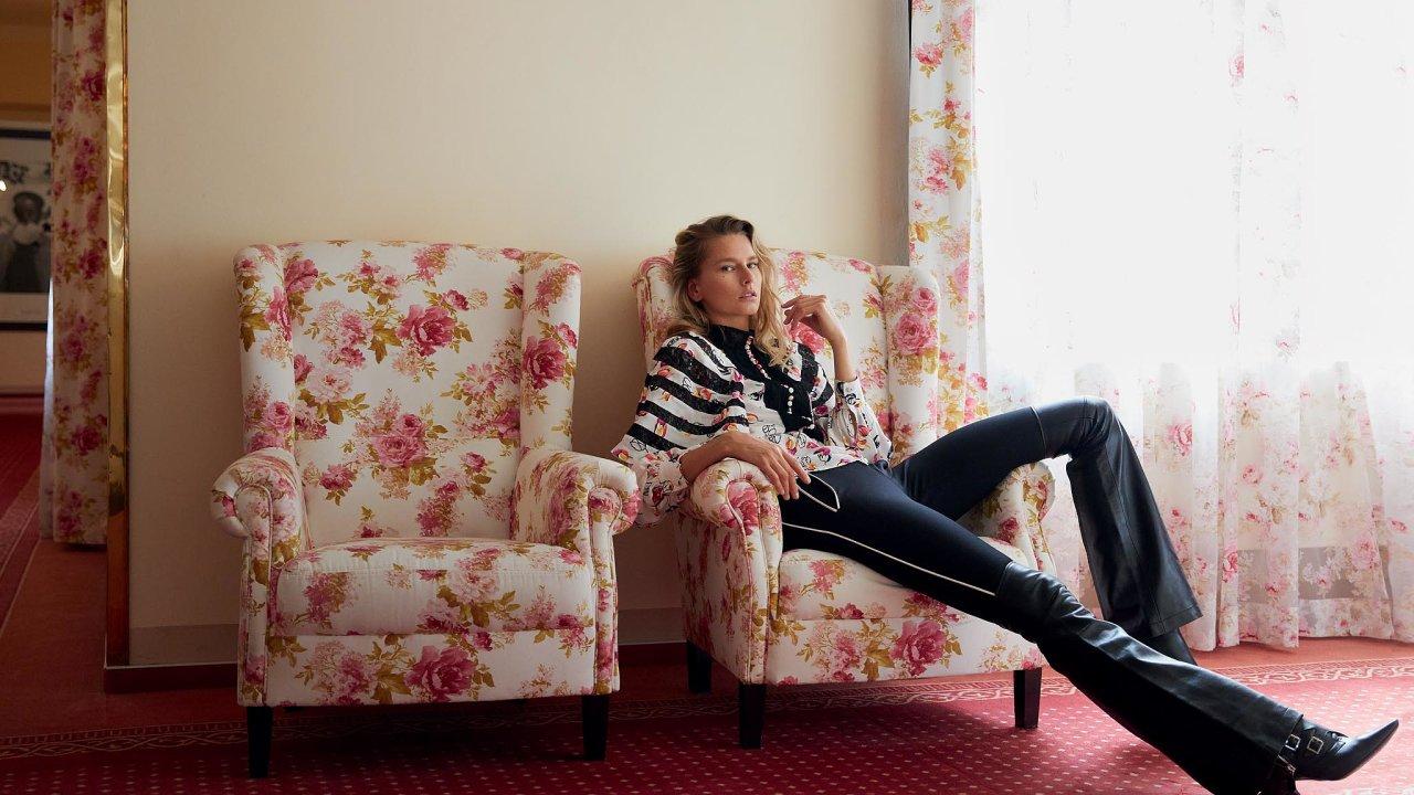 Halenka, kalhoty akotníkové boty, vše Louis Vuitton