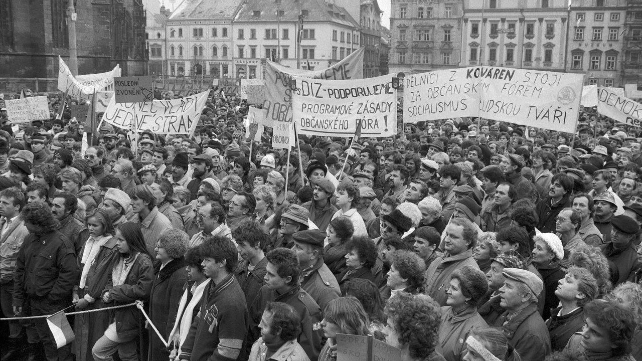 Do generální stávky se v listopadu 1989 zapojili i zaměstnanci Škody Plzeň. V roce 1991 měla vytvořit společný podnik se Siemensem, nakonec ale její privatizace šla problematickou