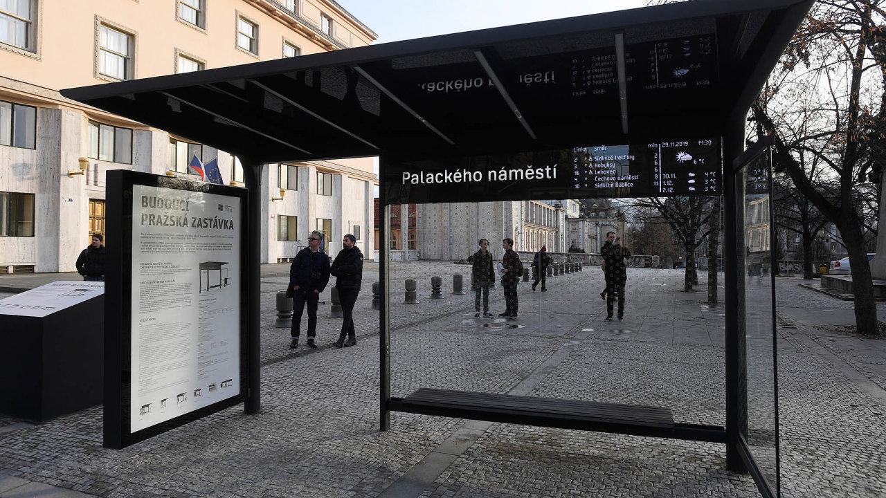 Vbřeznu plánuje Praha představit harmonogram výroby vlastních přístřešků. Takto by mohla vypadat zastávka na Palackého náměstí.