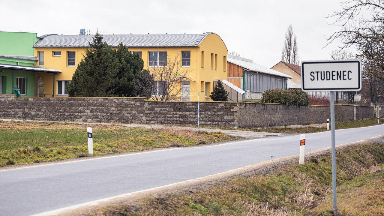 Zemědělské družstvo Agrochema zobce Studenec, která se nachází 17 kilometrů východně odTřebíče, patří kvýznamným regionálním zaměstnavatelům.