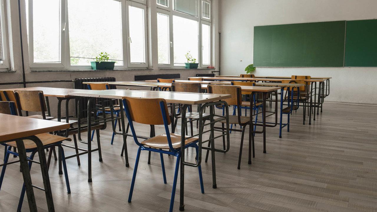 Plán otevření škol stále chybí, žáci zůstávají doma.