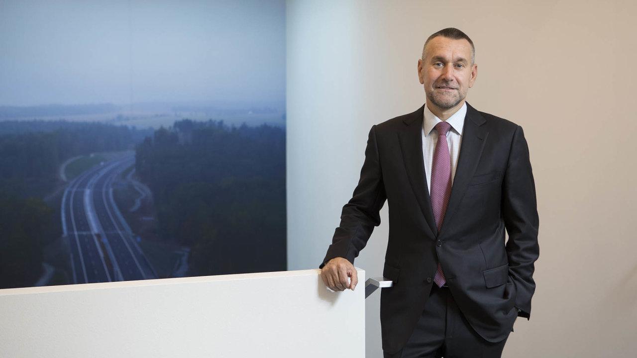 """""""Politici si zkrátili digitalizaci nahome office. Je ale potřeba jítmnohem dál,"""" říká předseda představenstva agenerální ředitel společnosti Eurovia CS Martin Borovka."""
