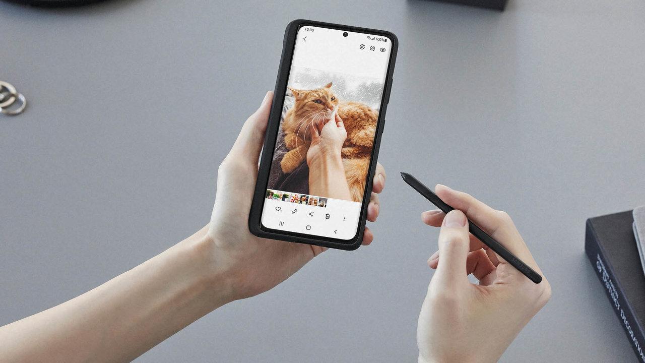Model S21 Ultra je první mobilní telefon série Galaxy S, který si poradí sdotykovým perem.