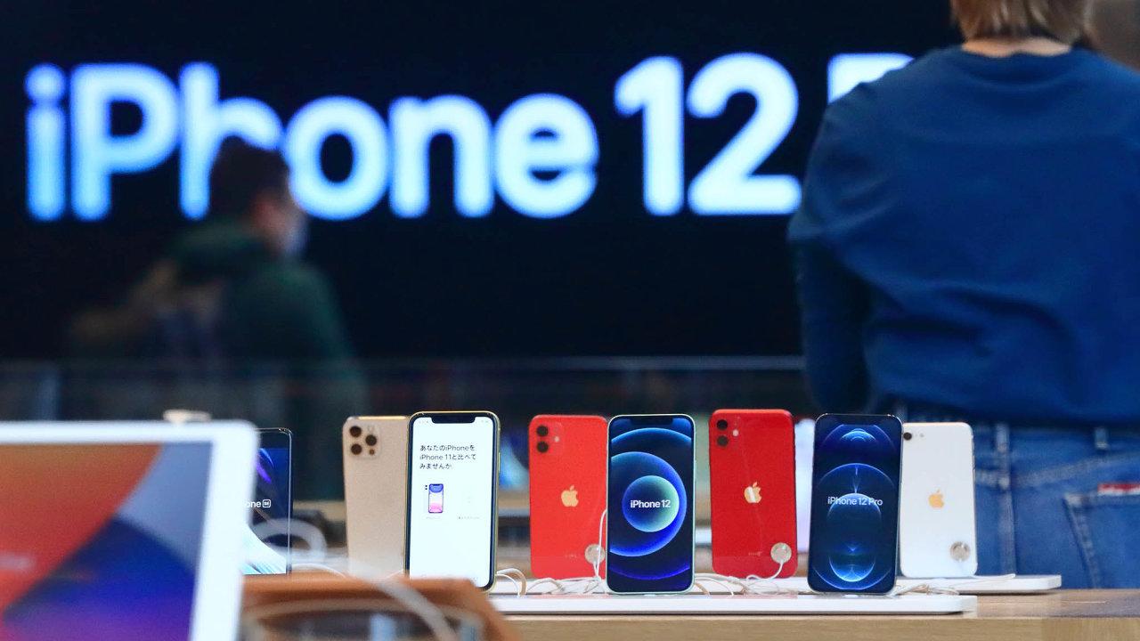 Apple loni napodzim uvedl natrh novou generaci svých chytrých telefonů iPhone. Všechny přístroje znové řady iPhone 12 dokážou využívat mobilní sítě páté generace (5G).