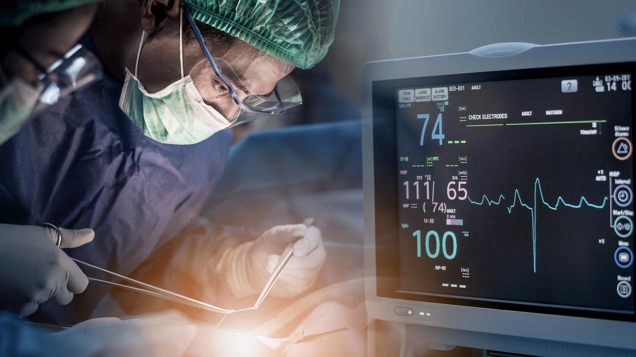 Kvůli pandemii koronaviru musí nemocnice odkládat řadu operací.