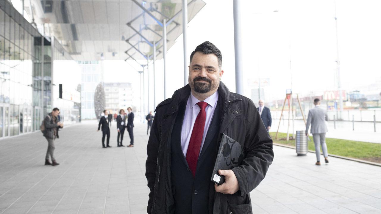 Ještě loni se na kongresu ODS ucházel o post prvního místopředsedy strany. Chtěl za ni také letos kandidovat do sněmovny. Teď však starosta pražských Řeporyjí Pavel Novotný ohlásil odchod z ODS.